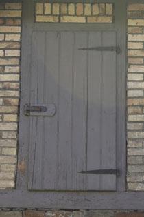 7 Tür eines Dachbodens/Door of a attic