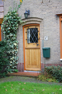 2 Tür eines Hauses in Holland/Door of a house in Holland
