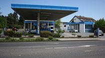 82 Trankstelle/Petrol station
