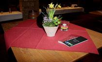 12 Dekorierte Tissche/Decorated tables