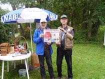 Dietrich Westphal, NABU Ortsgruppe Winsen (links) sowie Dietmar Oeding vom Fischerei-Sport-Verein Hoopte-Winsen