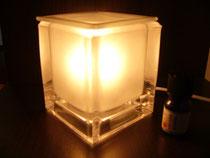 ガラスアロマランプ