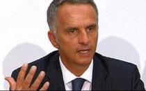 Didier Burkhalter, Sozialminister.