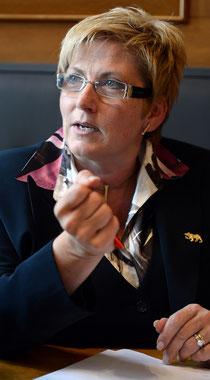 Finanzdirektorin Beatrice Simon drohen Einbussen an allen Fronten