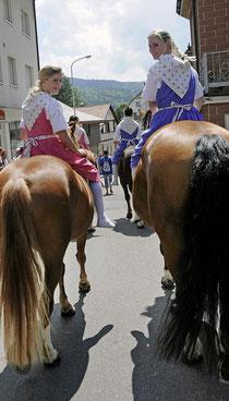 Vertreter aus dem Kanton Jura: Reiterquadrille vom Marché Concours aus Saignelegier.