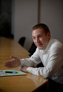 Jurist Lukas Reimann gibt sich als Experte für Notenbankpolitik.