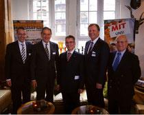 V.l.n.r.: Dr. Philipp Steinwärder, Uli Wachholtz, Hjalmar Stemmann MdHB, Jofes Katzer, Gunnar Uldall
