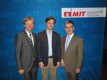 v.l.n.r.: CDU-Kreisvorsitzender Rüdiger Kruse, MdB, der neue MIT-Kreisvorsitzende Brian Schlede und MIT-Landesvorsitzender Hjalmar Stemmann, MdHB