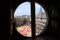 花のカーペット view from Hotel Saint Michel.