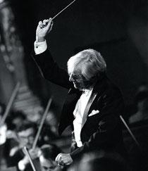 Leonard Bernstein beim Dirigieren