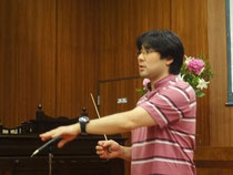 練習中の浩史先生