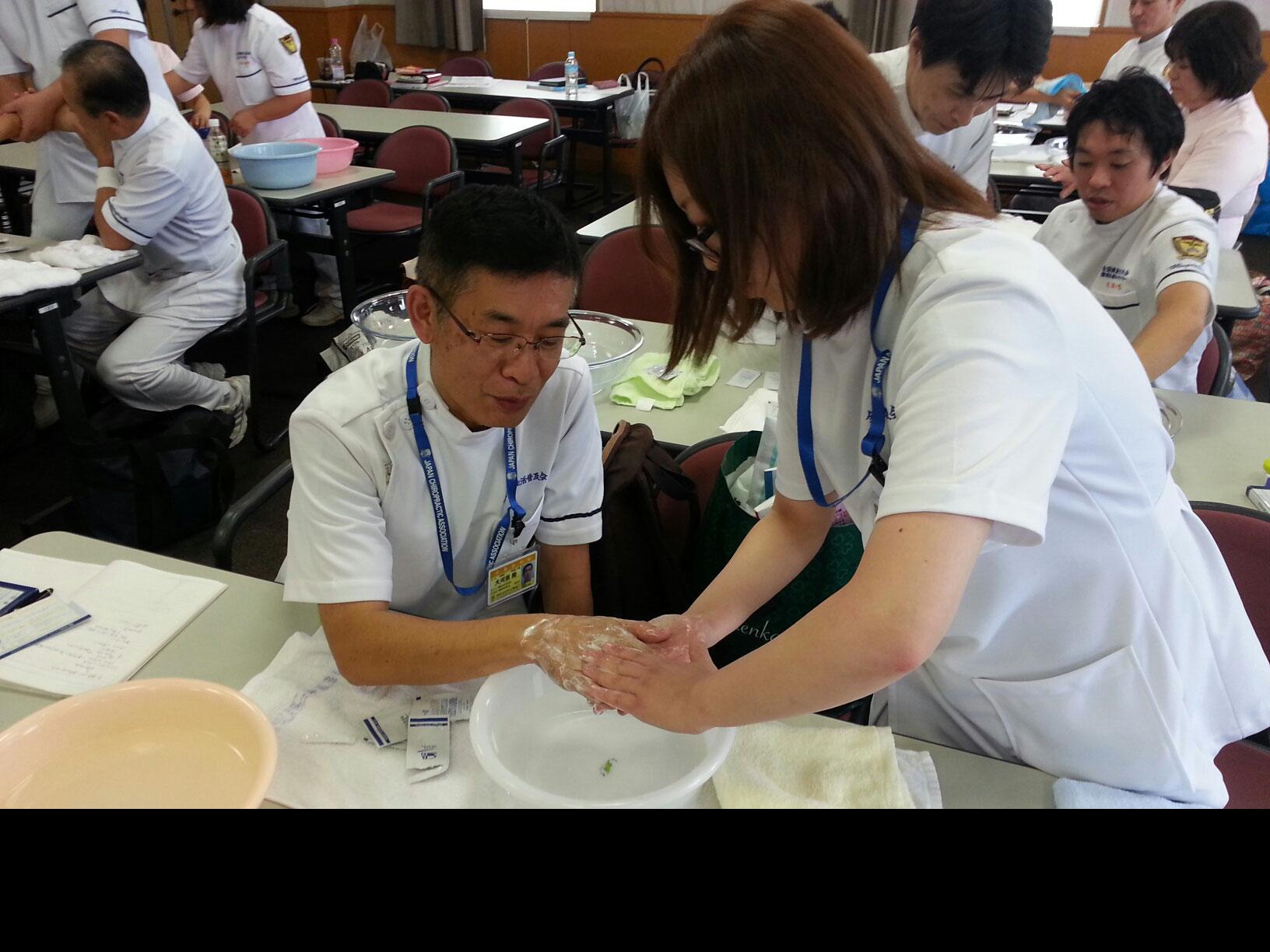 手洗い洗顔の練習