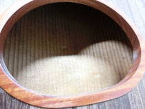 琴 買い取り 弦は新品で 高級な 演奏会の 琴 『くり甲、綾杉彫、玉縁』 刳甲 6尺 紅木 猫足 【中古】