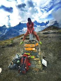 Col de Grand Fêrret 2537m, rechter Fuss Italien, linker Schweiz