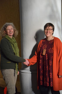 Ursula Hüsgens und Ida Lamp in der Grabeskirche St. Anton