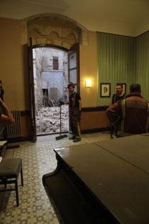 El edificio hundido visto desde el Conservatorio de Música. / JOSEP LLUÍS SELLART