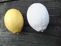 """""""eine Zitrone"""" Orginal und Abguss, 2013 ,Gips"""