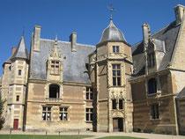 Chateau d'Ainay le Viel