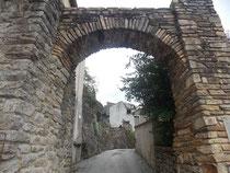 Hautpoul village Médiéval