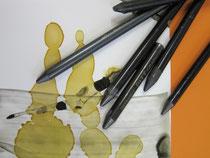Grafitstifte, Schellack und Tusche