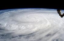 El tifón de Filipinas desde la NASA.