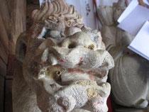 由来八幡宮にお参りしてきました。珍しい顔の「狛犬」がお出迎え