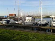 Segelyacht Motorboot