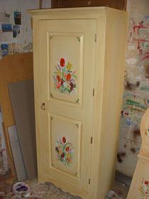 bonnetière de rangement en bois peint