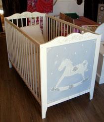 lit bébé lit enfant peint