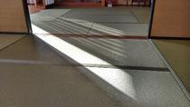 ダイケン銀白(和紙表)、軽量ボード床を使用して、新畳を納品しました。