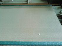 建材床、熊本産表で新畳作業です。