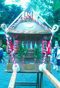 地元の白髭神社に宮入後の写真です。