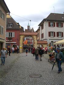 Verriegelte Stadttore in Staufen