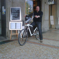 Bicicletta-elettrica-bici-elettrica-electric bicycle-wellness-ebike-PMZERO-4