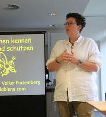 Ines Mogge eröffntete das Bienennetzwerktreffen im Bistro der RAG Montan Immobilien