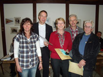 Geschäftsführerin Silke Peters, 1. Vorsitzender Jürgen Theile, Sylvia und Uwe Schmidt sowie Margot Goos