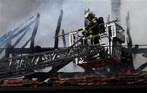 La toiture a été totalement détruite par les flammes