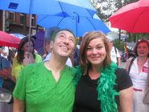 Direktkandidatin Katharina Fegebank und Fard Müller (MdHB) demonstrieren für mehr Rechte für Homosexuelle