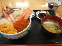 「いくら亭」の北海丼