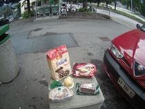 Supermarkt Alpen Italien Südtirol E5 Wandern Berge Kekse