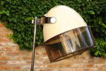 Die schöne Linienführung des Rowenta-Designs kommt der Stehlampe Steve zugute.