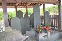妙昌寺の板石塔婆