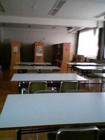 大好きな中学校の図書室