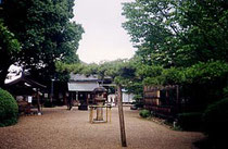 ろうそくの伝来 中門をくぐり大安寺の本堂を見る