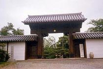 大安寺の南大門