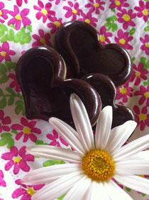 今回は魅惑のローチョコレートでお出迎え!
