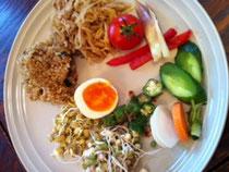 玄米麹漬け野菜と玄米ごはん