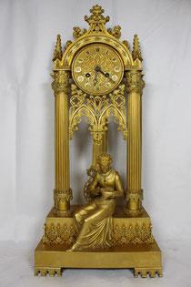 Französische Pendule Gotischer Stil von Dougon 1828
