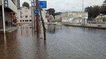 気仙沼・魚町の道路の満潮時