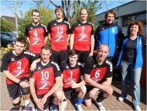 Die Landesliga-Aufsteiger (v.l.): L.Schmid, J.Schmid, P.Schwenger, Ph.Scholz, H.Kiemel, P.Scholz, R.Schwenger; Trainer: P.Bohn. B.Schmid.